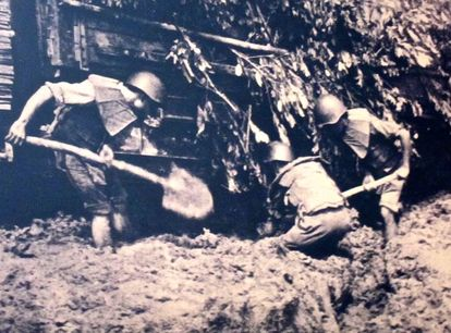 Vietnamese Constructing the Ho Chi Minh Trail