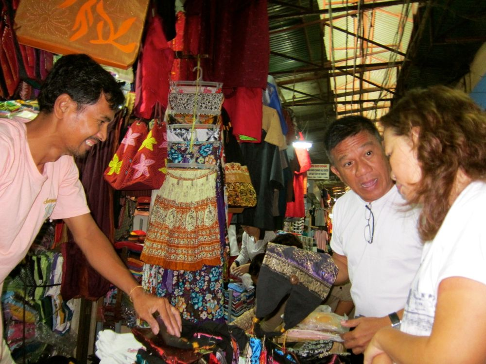 Bargaining in Phnom Penh