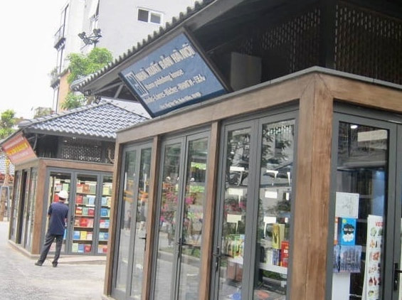 Bookstore in Pho Sach Hanoi